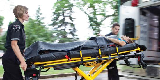 Ασθενοφόρα στελεχωμένα με έμπειρους διασώστες